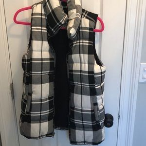 Plaid vest lined with fleece